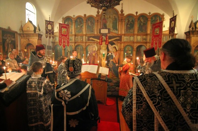 12 Gospels Holy Thursday at St Nicholas Seattle. 2014