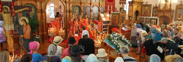 The Kursk Root Icon visits St Nicholas Cathedral August 2014. Courtesy of Sergei Kalfov. All Rights Reserved.